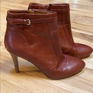 Nine West Mainstay rust brown booties!